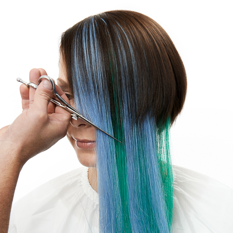 Mit Extensions Farbe ins Haar:  (© )