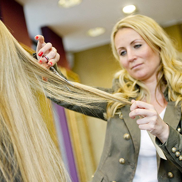 Stylistin Janet Andriske (© Great Lengths)