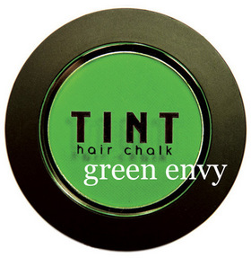 TINT Haarkreide .  green envy: tint-green-envy-gross (© Great Lengths)