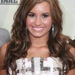 Demi Lovato in brünett
