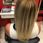 Das Haar ist schon gefärbt, die Extensions können eingesetzt werden