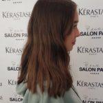 Vloggerin Laura Sophie vor der Haarverlängerung, von der Seite
