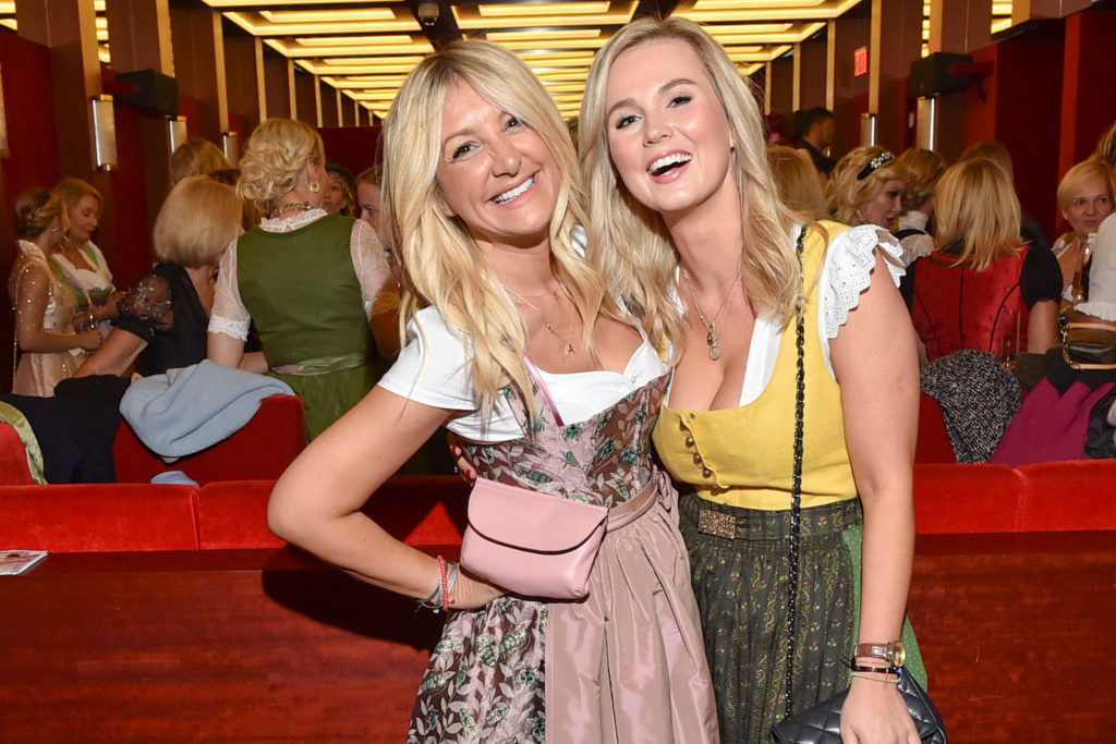 Ayse Auth bei Charity Blond Wiesn
